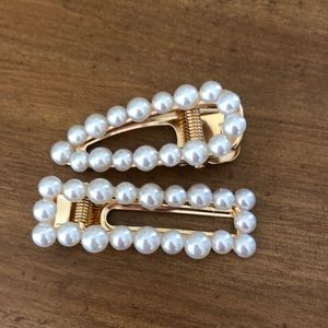 NWT Brand New Pearl Hair Clips New